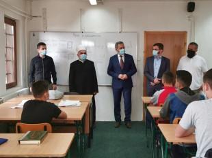 Predsjednik Mešihata obišao Medresu i poželio hairli početak školske godine